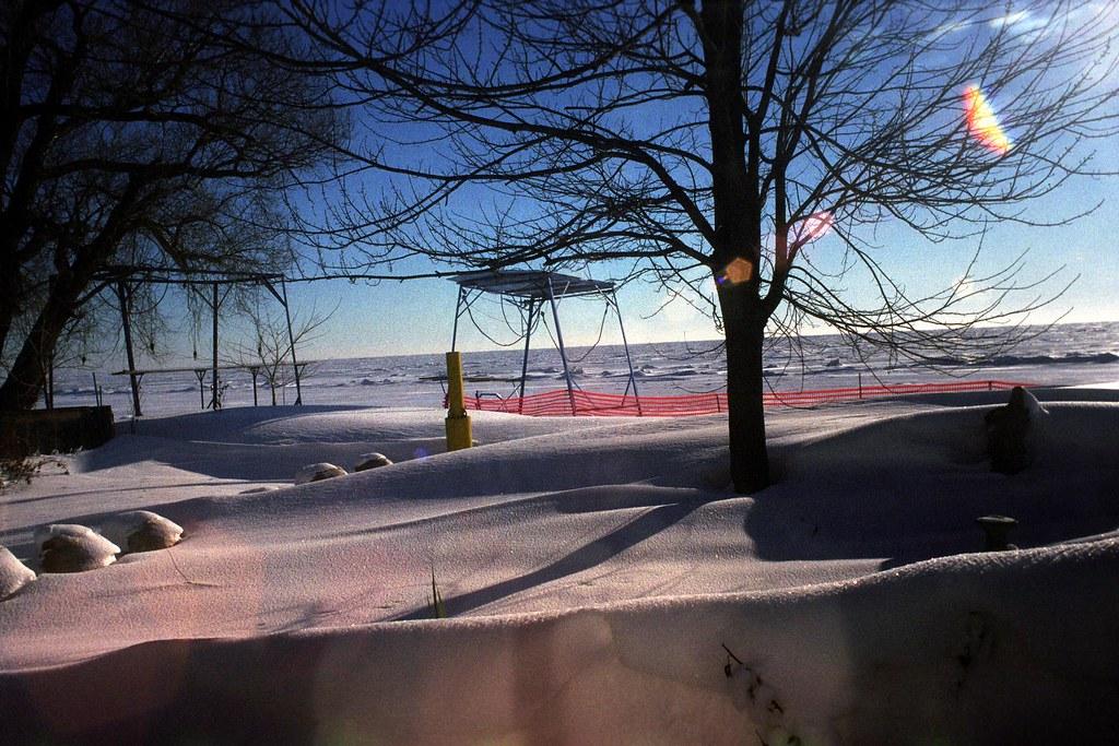 Snow Drifts | Snow drifts accumulate along the shore of wind