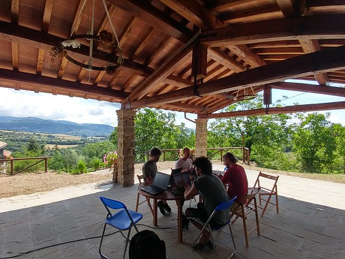 Ubuntu Desktop Team - The Sun Sprint (Tuscany, Italy) | by -= Treviño =-