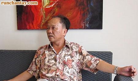 Bác sỹ ngoại khoa Lê Quang Cảnh chia sẻ về những ngày tháng khó khăn do bệnh run tay mang lại
