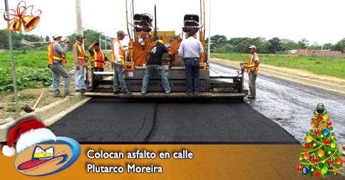 Colocan asfalto en calle Plutarco Moreira