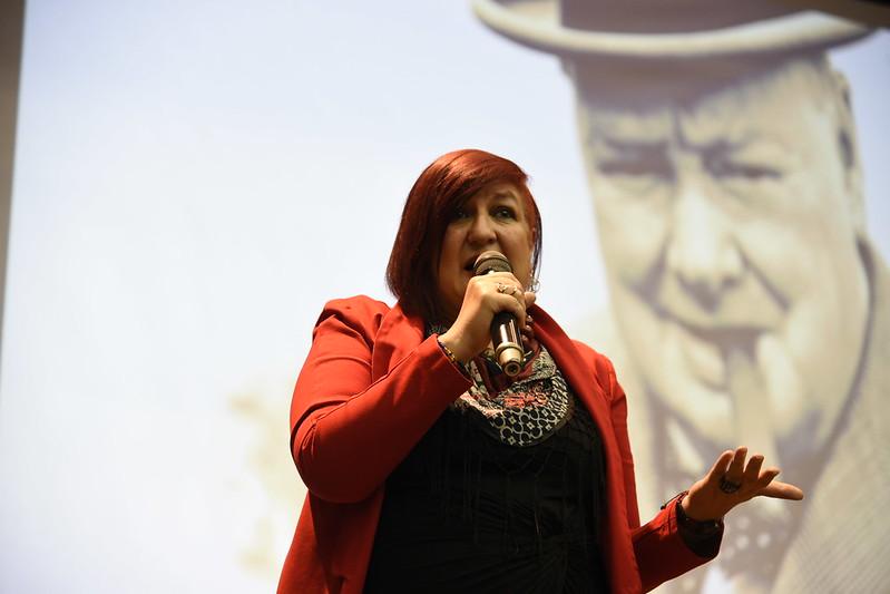 PoliSpeakers en Medellín con Diana Uribe