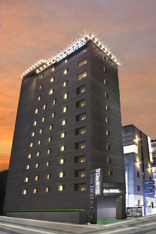 Lion Hotel 1