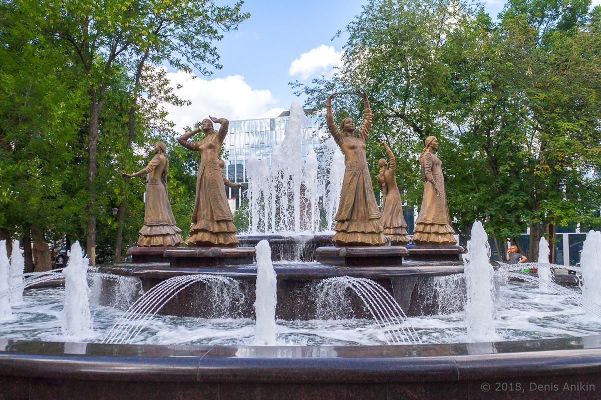 фонтан Семь девушек Уфа фото 3