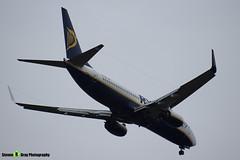 EI-EVA - 40288 - Ryanair - Boeing 737-8AS - Luton M1 J10, Bedfordshire - 2018 - Steven Gray - IMG_6964