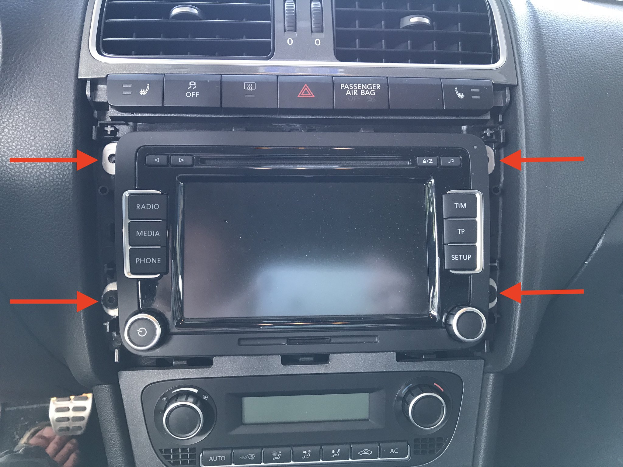 Upgrading my Volkswagen Polo 6R – Part 2: RCD 330 with CarPlay and