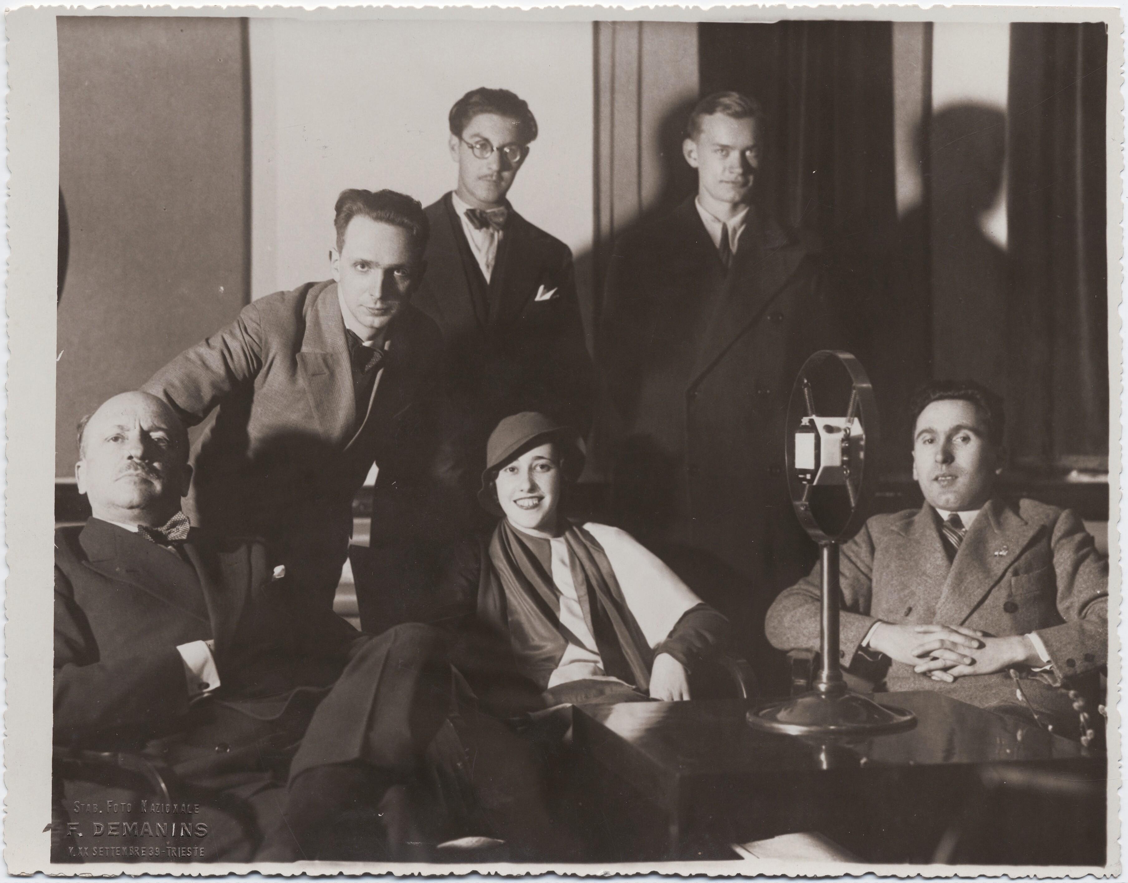 1932.  По случаю футуристической выставки в Триесте. Маринетти выступает на радио «Триест»