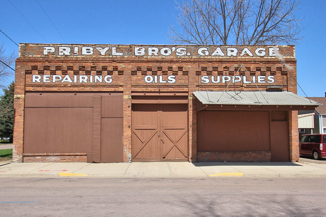 Pribyl Bros. Northwestern Garage, Canon EOS REBEL T5I, Canon EF-S 10-18mm f/4.5-5.6 IS STM