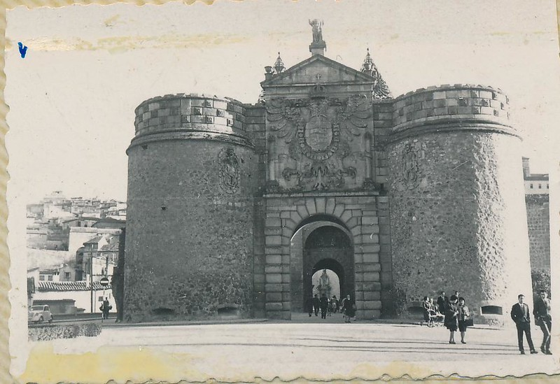Puerta de Bisagra en 1962. Fotografía de Julián C.T.