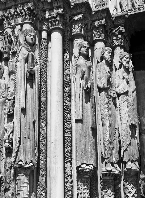 Hanging around Chartres