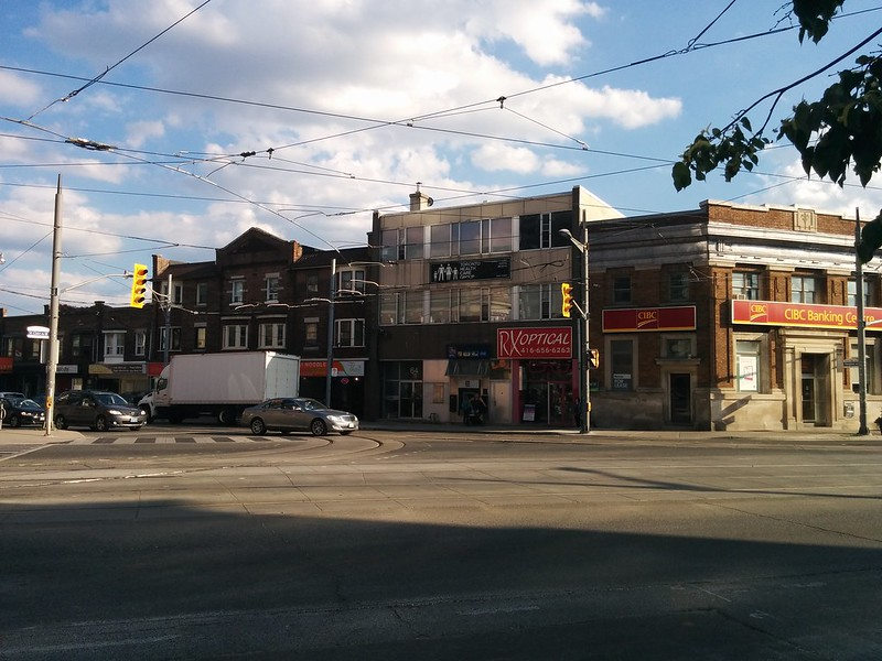 Vaughan Road at St. Clair #toronto #stclairwest #stclairavenue #vaughanroad #intersection