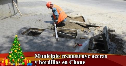Municipio reconstruye aceras y bordillos en Chone