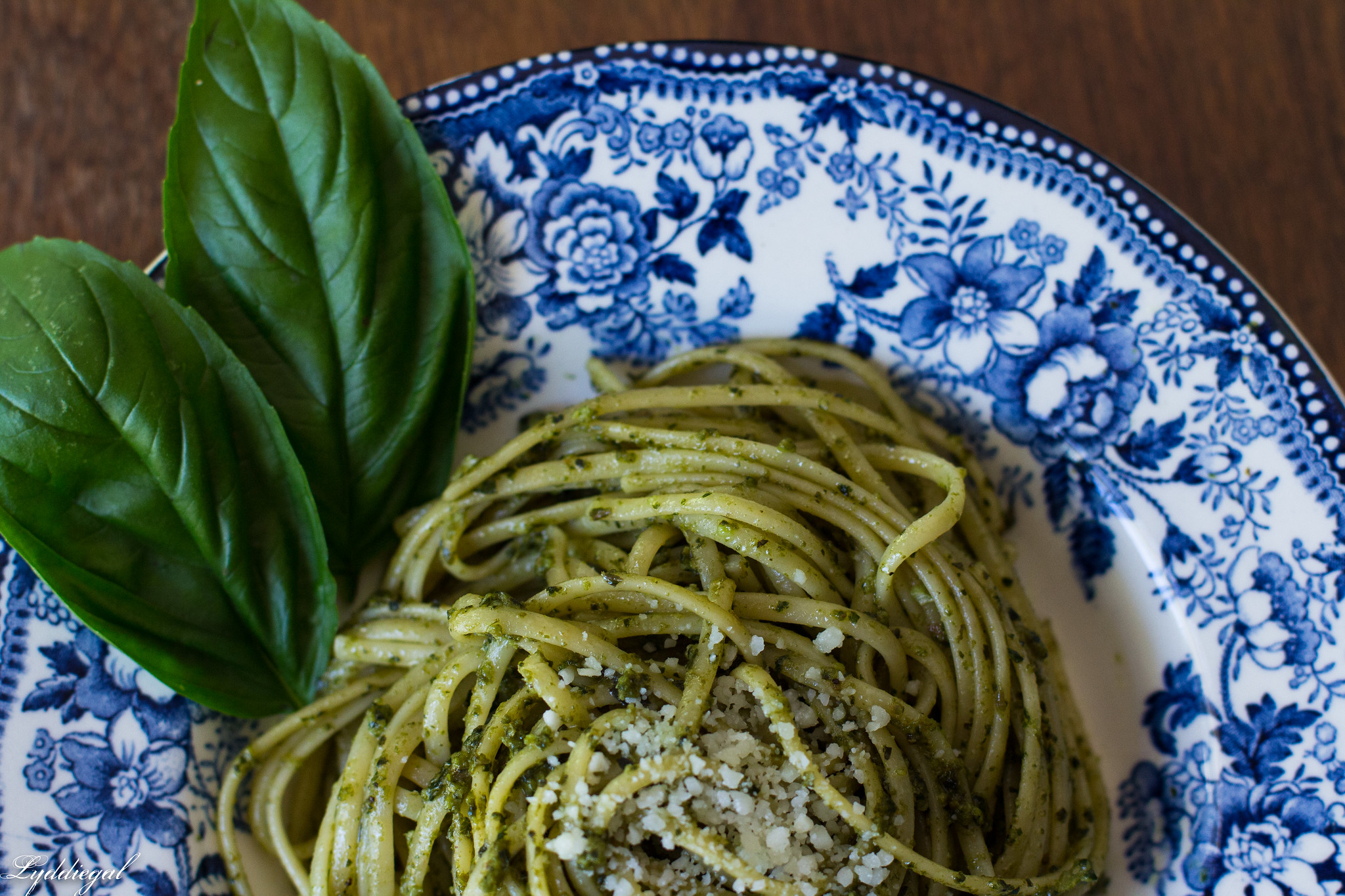 Pesto over thin linguine-5.jpg