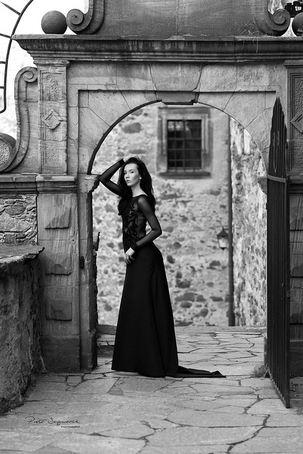 Gatekeeper in black