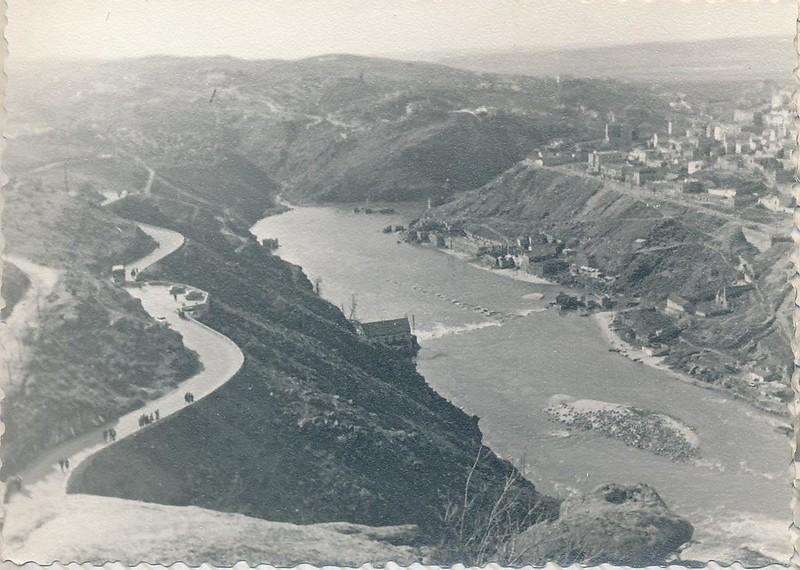 Río Tajo y carretera del Valle en 1962. Fotografía de Julián C.T.
