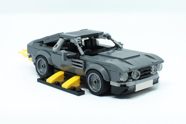 Aston Martin V8 Vantage Volante - James Bond The Living Daylights