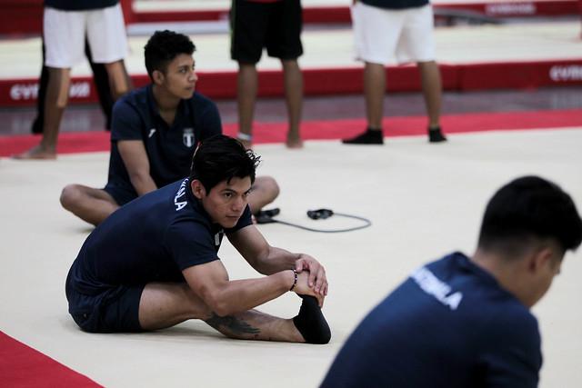 Entrenamiento de gimnasia artística en Barranquilla