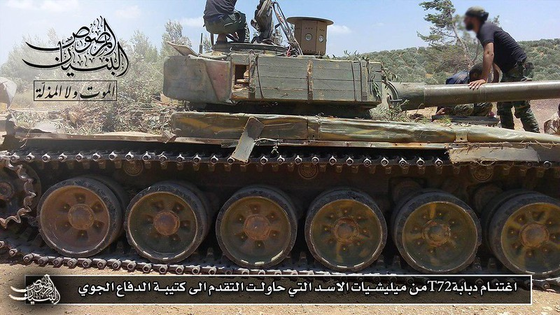 SARAB1-T72-captured-by-rebels-deraa-2017-slc-1
