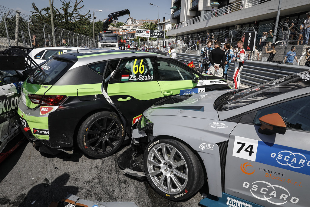 accident crash race 1 during the 2018 FIA WTCR World Touring Car cup of Portugal, Vila Real from june 22 to 24 - Photo Francois Flamand / DPPI
