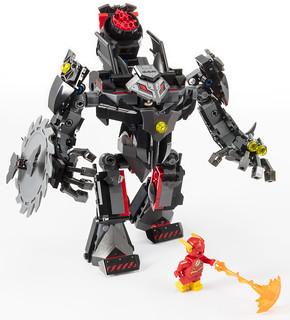 除了機甲大戰,縱火反派Firefly 也驚喜人偶化!! LEGO 76117 DC 超級英雄系列【蝙蝠俠機甲 vs. 毒藤女機甲】Batman Mech vs. Poison Ivy Mech