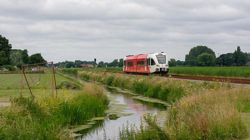 Zetten-Andelst Arriva 263 trein 31129 Tiel-Arnhem