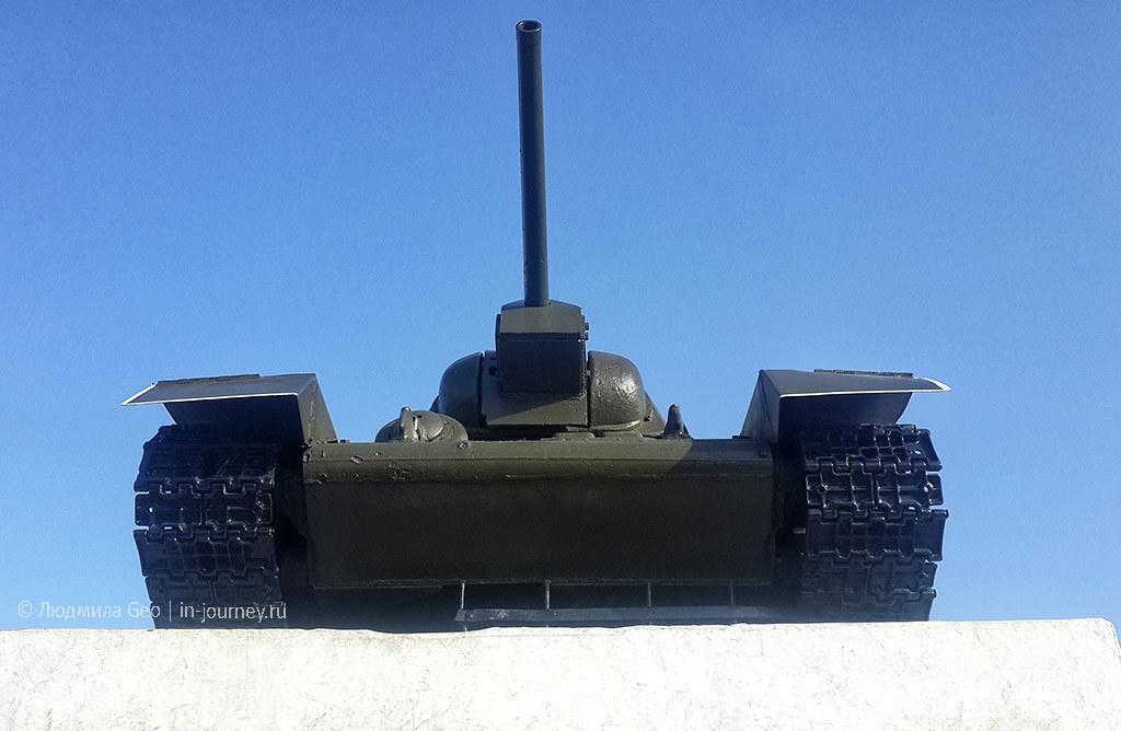 памятник танкистам в Севастополе