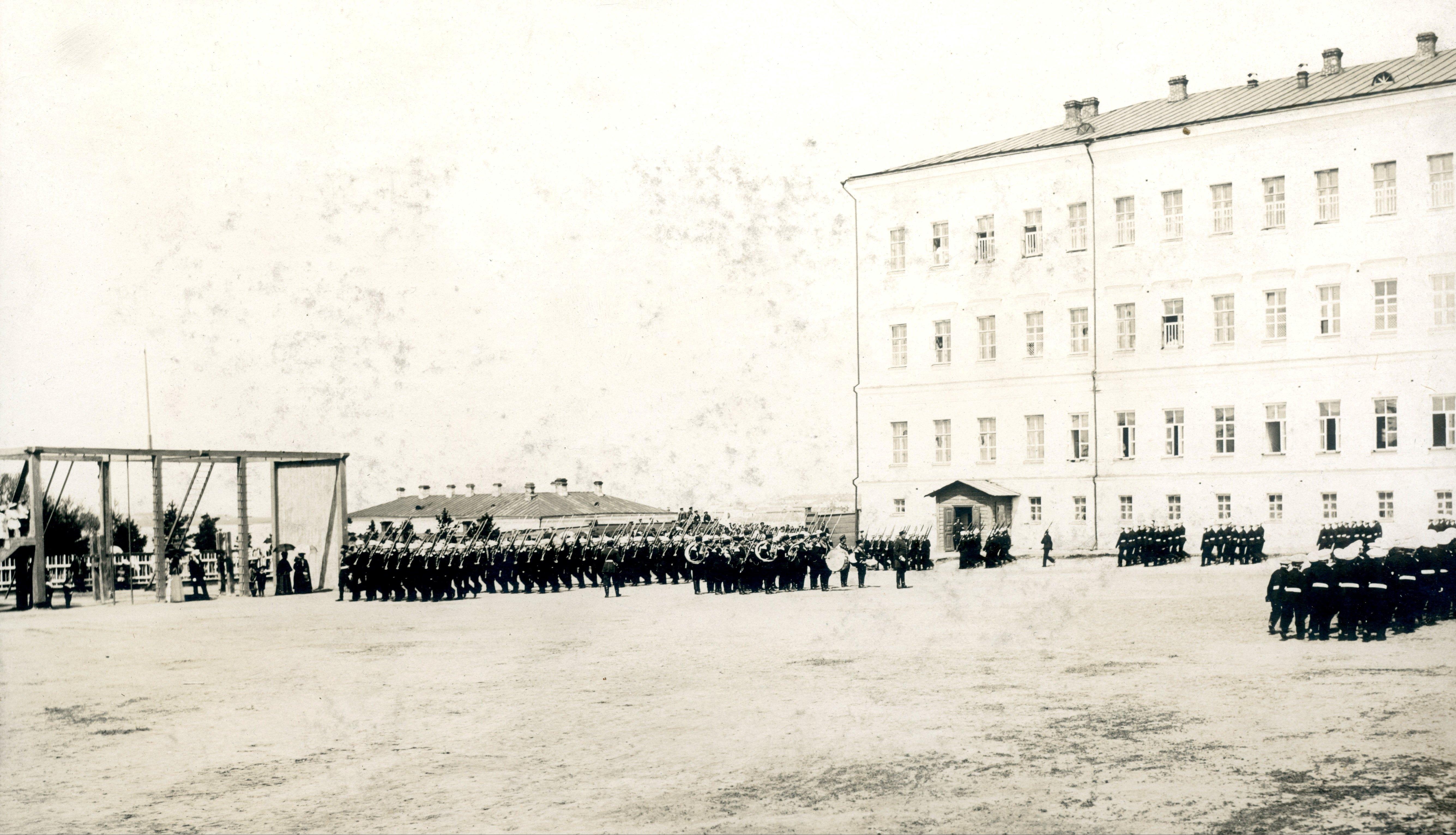 Строевой смотр в Сибирском кадетском корпусе
