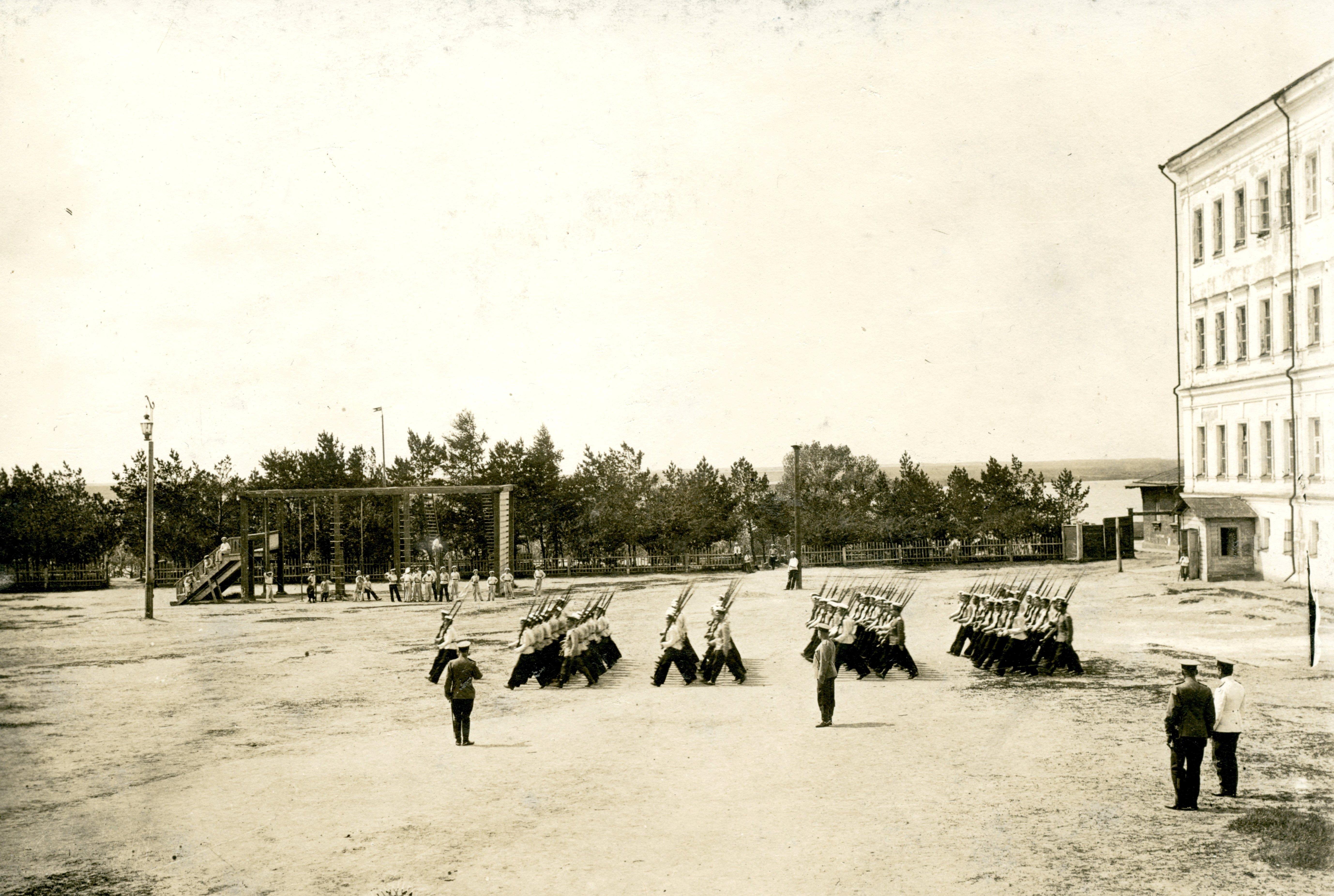 Строевое учение в Сибирском кадетском корпусе