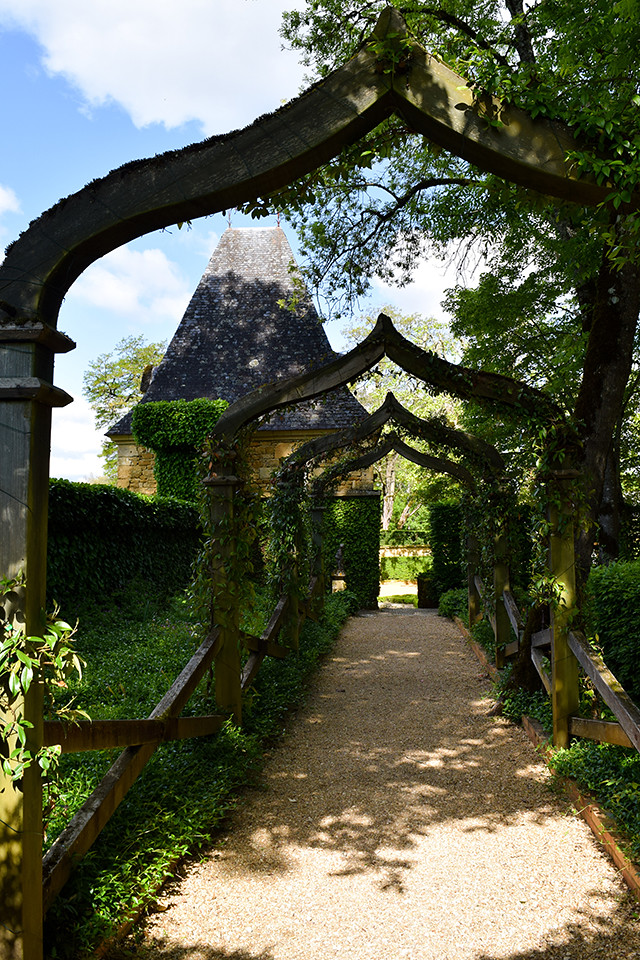 Magical Archway at the Jardins de Eyrugnac #gardens #eyrugnac #dordogne #france #travel
