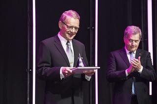 The 2018 MTP Winner, dr Tuomo Suntola and the Finnish president, the patron of the Millennium Technology Prize, Sauli Niinistö.