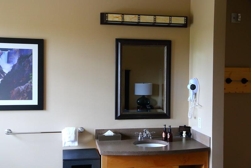 IMG_8203 Standard Lodge Room of Rhyolite Lodge