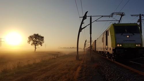 Sunrise in Holland  CapTrain 186 156