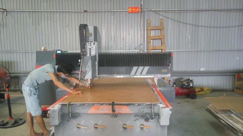 máy cắt cnc Mica công nghệ cao (23)