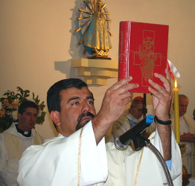El ministerio sacerdotal del padre Gustavo Medina