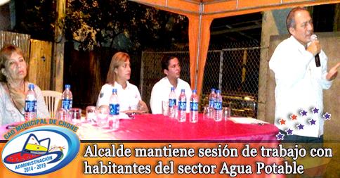 Alcalde mantiene sesión de trabajo con habitantes del sector Agua Potable