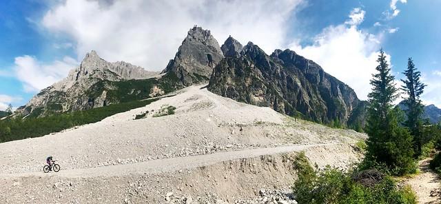 Cyclist in Dolomiti di Sesto