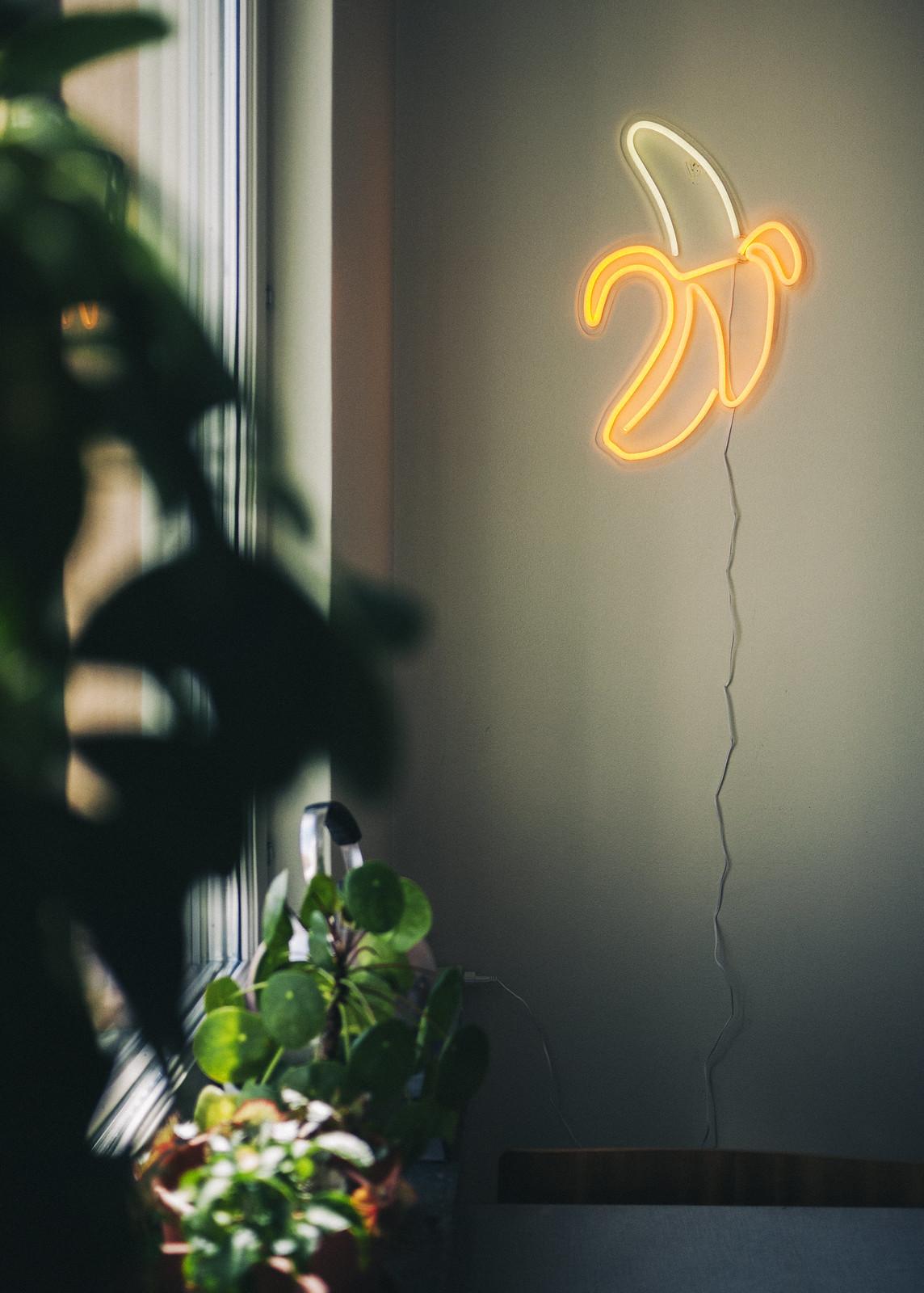 neon banana lamp