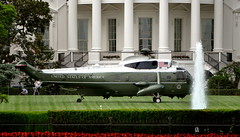 Sikorsky VH-3D White Top Sea King landed at the White House South Lawn