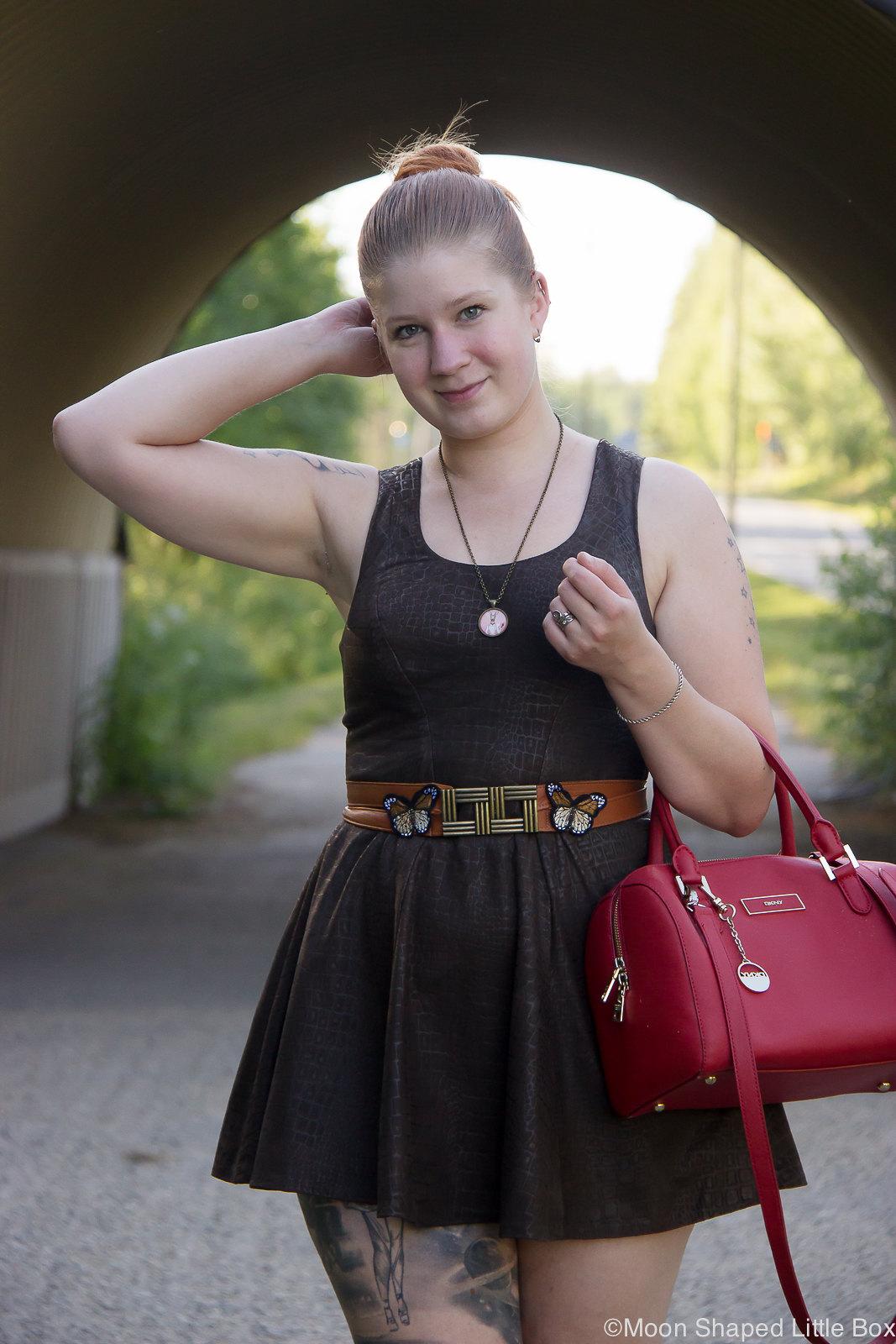 Nahkamekko, tyylibloggaaja, itsetehty mekko
