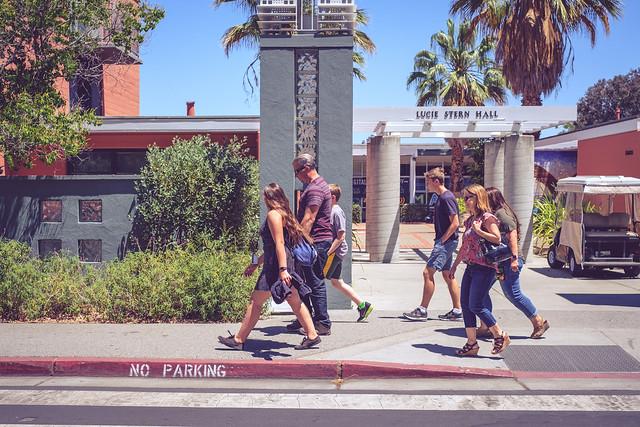 People Walking, Fujifilm X-T20, XF35mmF1.4 R