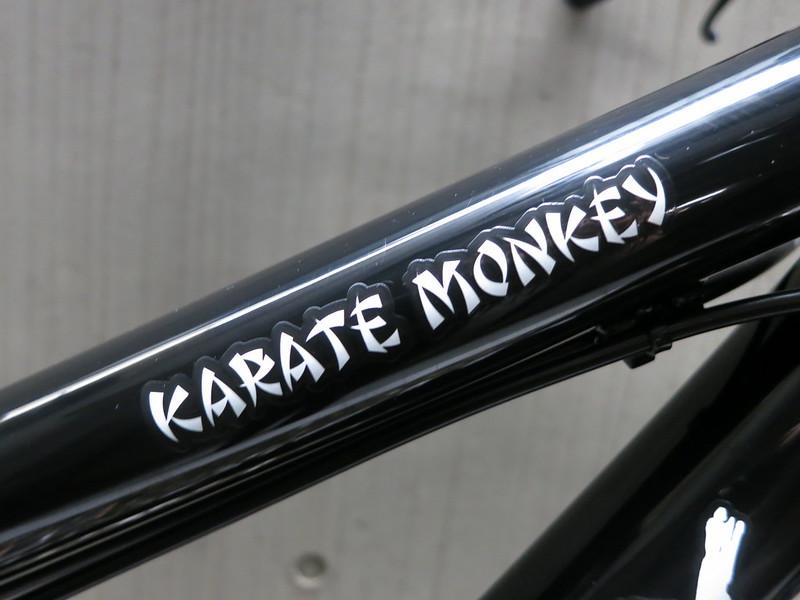 SURLY Karate Monkey 275plus BK Logo