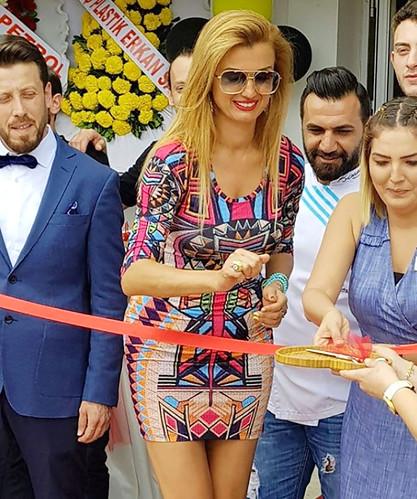 Tuğba Özay'ın, Hande Yener'e Tepkisi