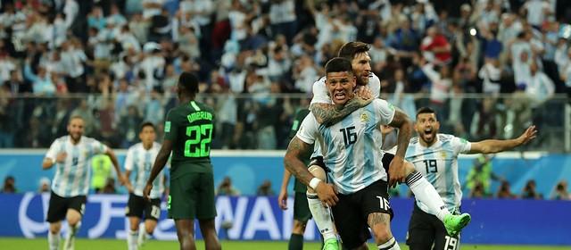 Jorge Sampaoli, da Argentina, fez sete mudanças no time titular durante a Copa; Tite fez só uma