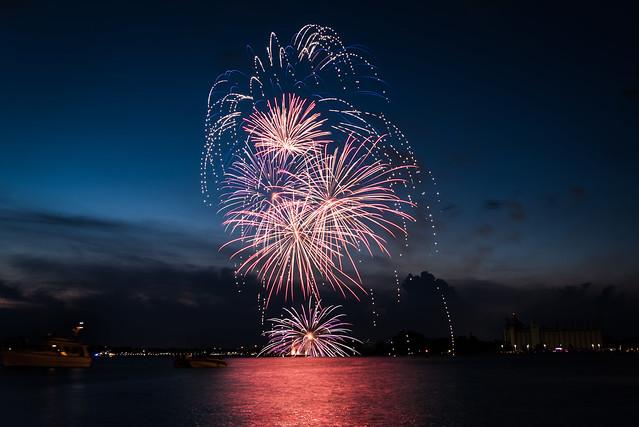 20180701 Canada Day Fireworks 13