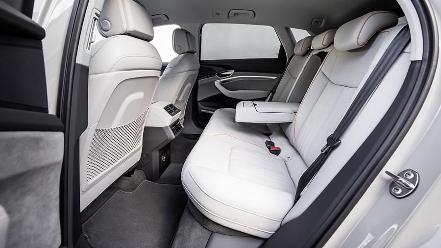 Audi e-tron vnatresnost 9