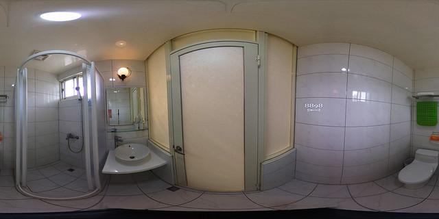蔚藍珠海民宿-四人房浴室