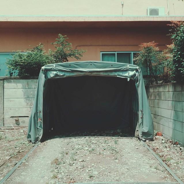 Foldable car garage