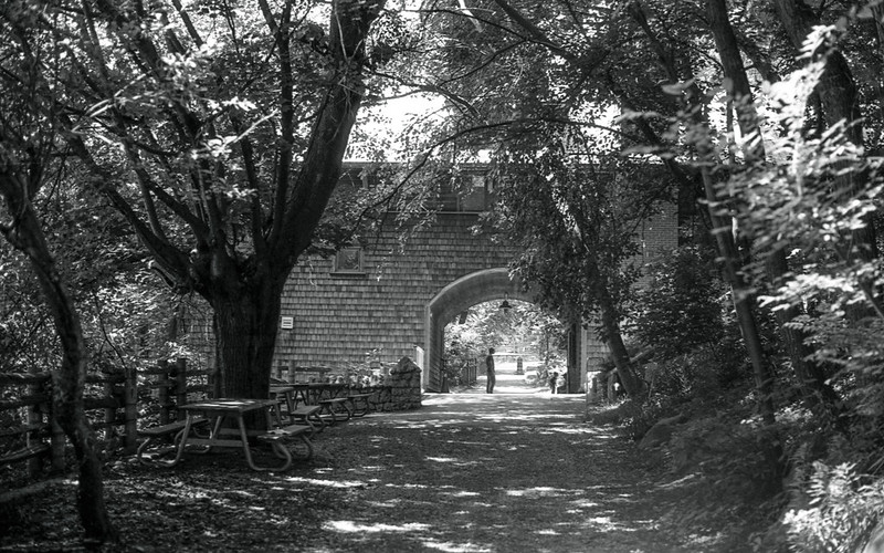 The Riverdale Farm Arch
