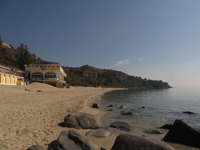 Caminia Beach (2)