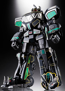 Soul of Chogokin Black GX-76 Megazord (SDCC 2018 Exclusive) Unveiled!