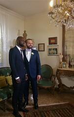 Philippe avec un ami • Au mariage de Philippe